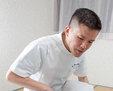 代表 相場壬雄 (あいばじんゆう)